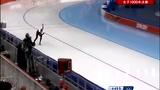 德选手失误撞墙四脚朝天 加拿大选手独自向前