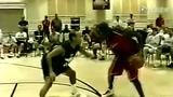 视频:乔丹与公牛老板单挑 突破玩弄于鼓掌间