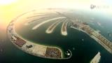 达人无保护肉身跳伞 天空翱翔俯视迪拜最美岛屿