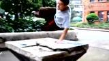 中国最强跑酷神作再现 徒手飘逸上墙身轻如燕