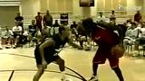 视频:乔丹与公牛老板单挑 飞人脚步晃懵对手