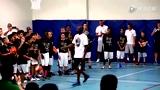 视频:科比客串老师 健康周末亲传小学员球技