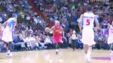 视频:詹姆斯快攻一条龙 詹皇擦板上篮造2+1