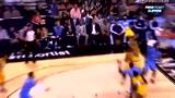 视频:格里芬接球不慎摔倒 险些崴脚无大碍