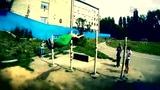 俄罗斯倒立狂魔Rusinov 楼顶定杆爬高玩单臂飞跳