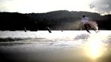 超牛逼新型水上动力滑板 跨越陆面障碍玩的更high