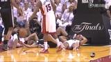 惊险!帕克重摔倒地误踢巴蒂尔面部