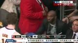 视频:马刺vs湖人 科比抚慰加嫂真情令人动容