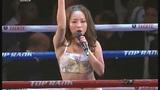 视频:美女热舞引高潮 高歌一曲迎邹市明首秀