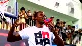 视频:霍华德台北获球迷礼物 魔兽亲和力十足