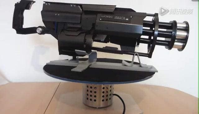 使用者可以通过遥控器对安装在发射器底座上的接收器进行远程操控.