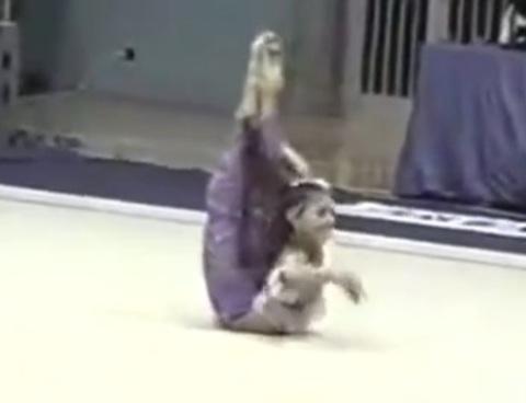 视频 普京情妇卡巴耶娃体操表演合辑