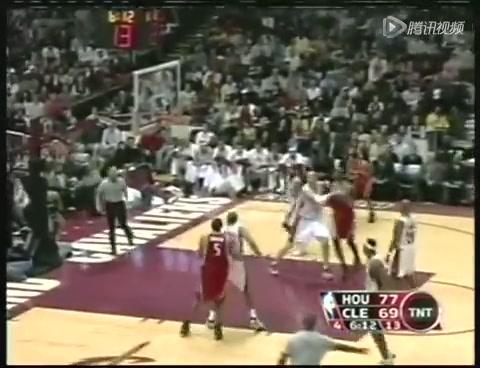 视频:06赛季麦蒂VS詹姆斯 麦蒂干拔羞辱詹皇
