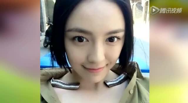 重庆美女帅哥泳池秀身材