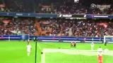视频:帕克为法甲开球 与伊布热情拥抱引欢呼