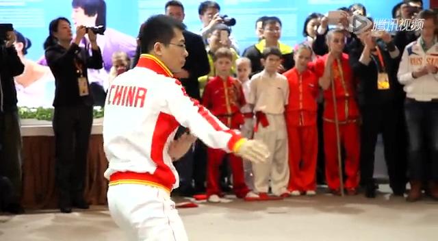 俄罗斯总统普京到访中国之家 观看武术表演截图