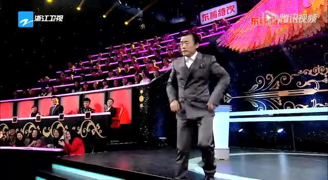 周立波要和邓超比耍宝 薛之谦为癌症患儿做衣服