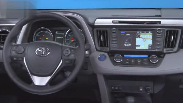 日前,我们从相关渠道获悉,一汽丰田改款RAV4中文名称将命名为荣放,并将于7月28日正式上市。据了解,新车将配备2.0L或者2.5L发动机,共将推出六款车型,配置水平将会有较大的提升。  海外版丰田新款RAV4