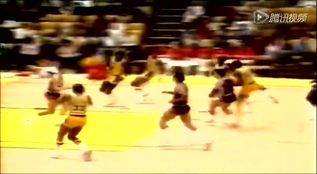 NBA30绝技之天勾 贾巴尔打造无解得分传说截图