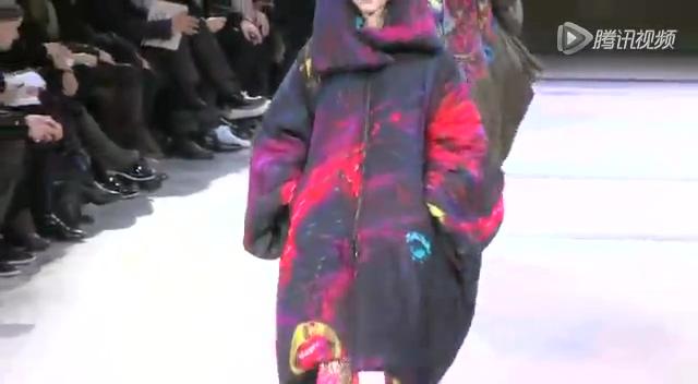 2014秋冬巴黎时装周:Yohji Yamamoto 发布会截图