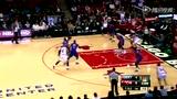 视频:罗斯单刀直入杀敌阵 空中闪转擦板得分