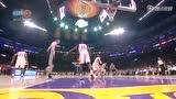 视频:马刺vs湖人 帕克篮下碰撞加嫂弧线抛投