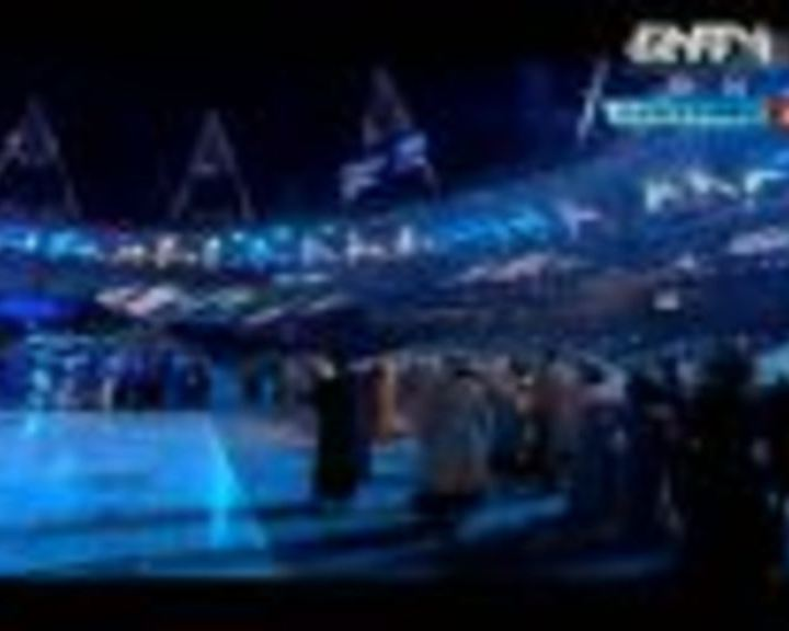 视频:蓝天下展现飞翔梦想 经典名曲现场重现