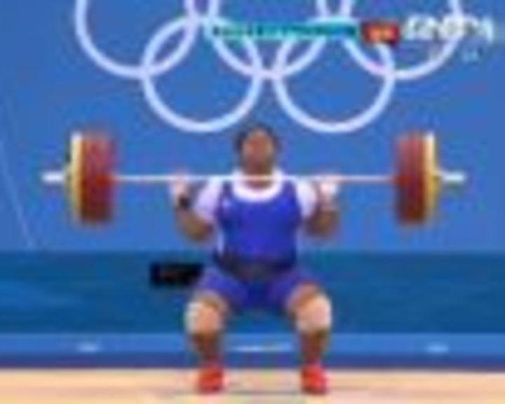 视频:女举75kg以上挺举 伊尔2举150公斤成功