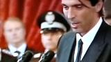 视频:意大利总统接见国家队 巴神赠签名足球