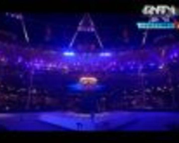 视频:奥林匹克圣火像鲜花展开 伦敦奥运再见