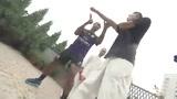 视频:阿森纳两魔翼习武 有模有样栩栩如生