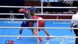 视频:泰国队选手进攻犯规 用手部压倒邹市明