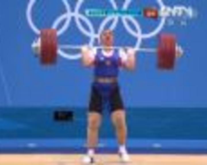 视频:女举75kg以上 卡什叶娜第2举181kg成功