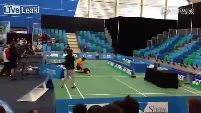 加拿大羽毛球公开赛决赛泰国队男双内讧互殴截图
