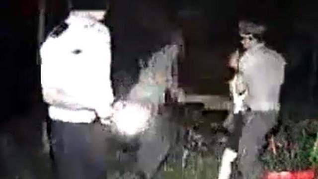 女子与民工在树林内20元交易,还可砍价,被抓!