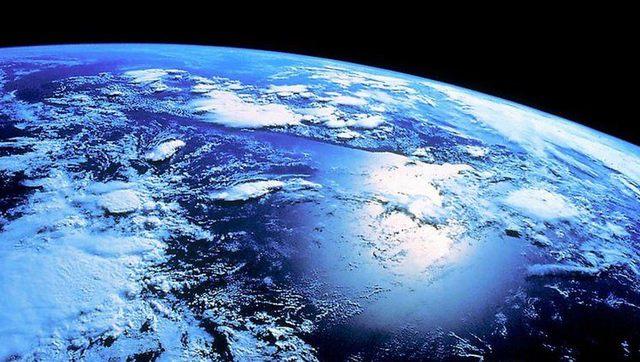 地球像苹果图