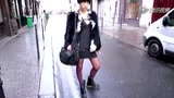 中国模特新星赵家彤—腾讯视频巴黎周街拍