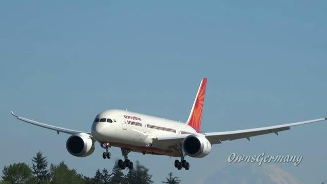 波音787梦想飞机降落时商清视频记录