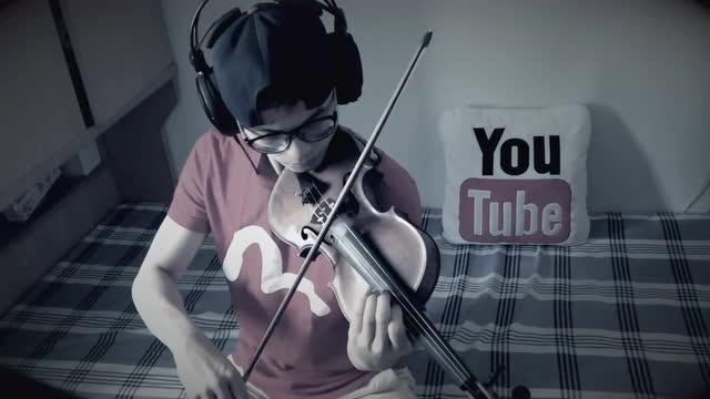 邓紫棋画小提琴谱
