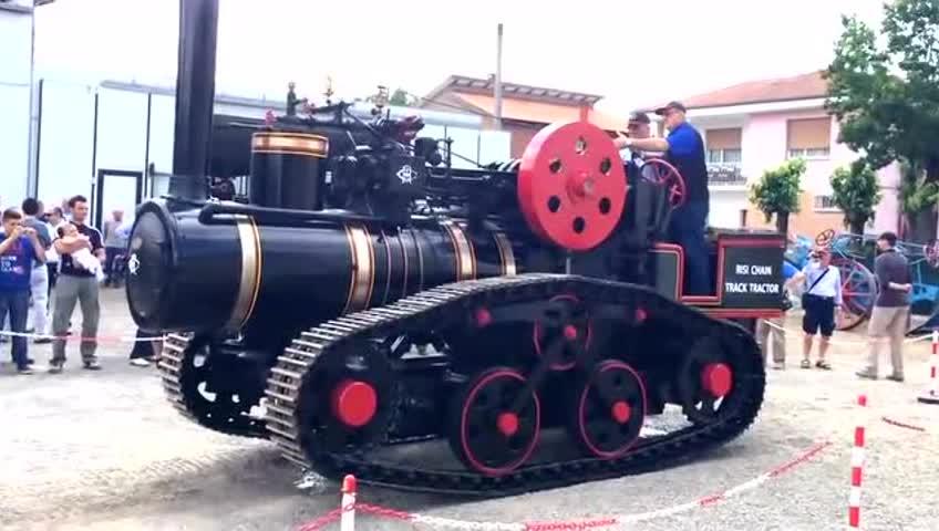 履带蒸汽拖拉机 发动机倒转才能倒车图片