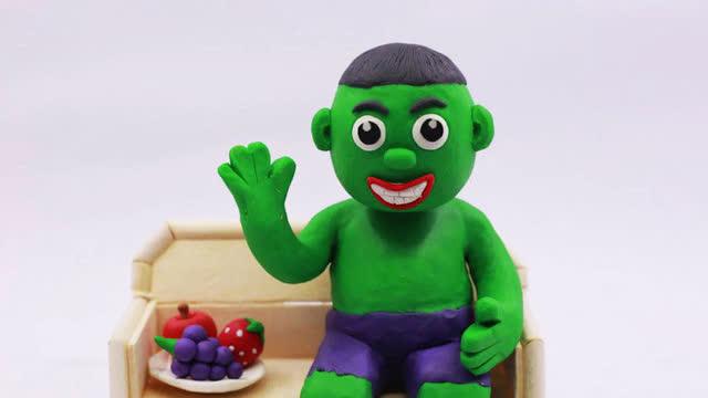 小丑恶搞艾莎公主和绿巨人!橡皮泥动画片