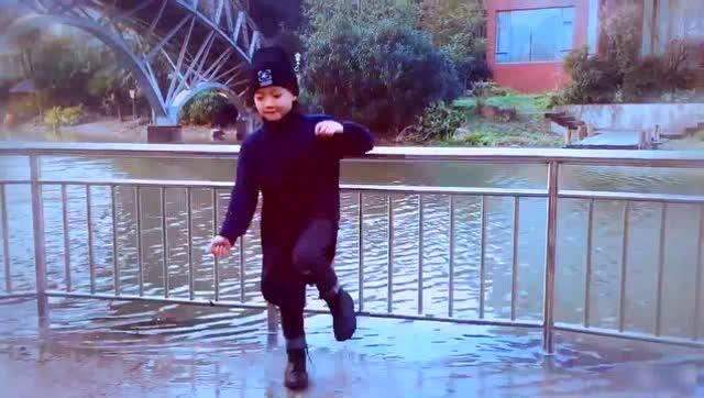 中华儿女一起来赞美-舞蹈.mp4