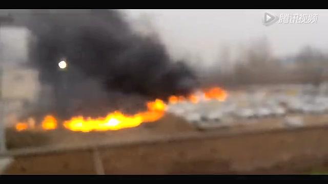 郑州停车场大火起因_郑州停车场失火数十辆豪车被烧 总价值超千万