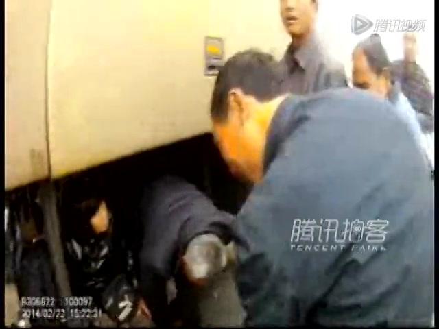 河南到深圳长途客车座位下打洞