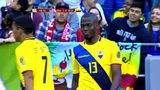 厄瓜多尔猛攻美国 曼联飞翼头球摆渡瓦伦西亚门前失良机
