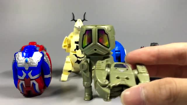 奥特蛋里面玩具图片