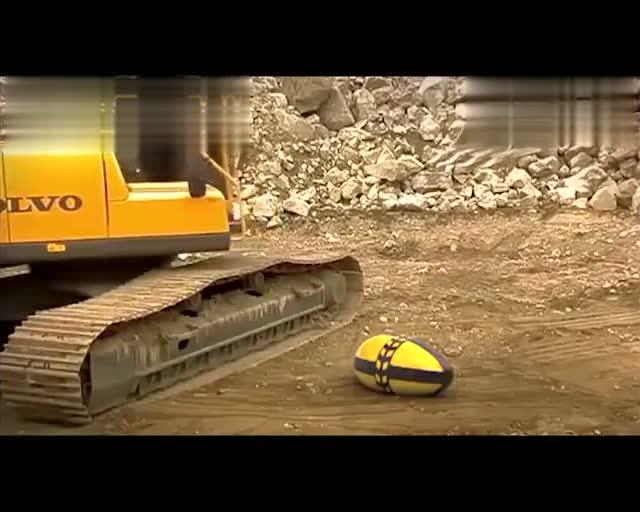 涨知识,原来挖掘机是这样生产出来的,虽然没字幕,但我看懂了!