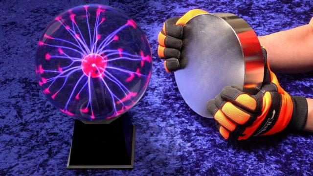 庞大的磁铁碰到等离子球会产生甚么?