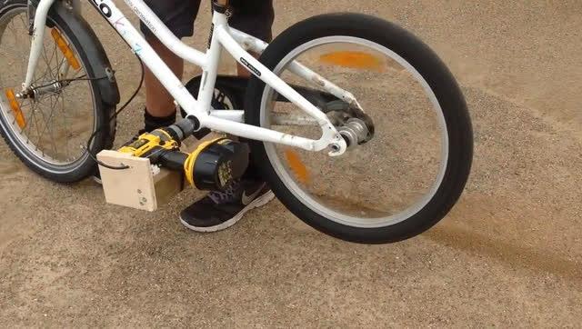 电钻驱动,让自行车秒变电动自行车
