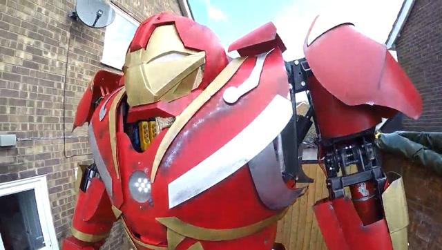 厉害了!牛人制作可以操控的钢铁侠反浩克装甲